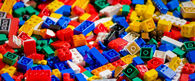 Lego-Pile-Banner
